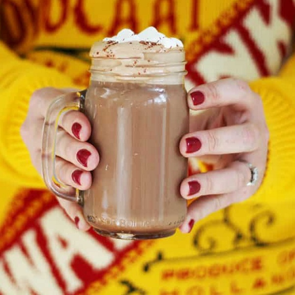 Advocaat Hot Chocolate Snowball