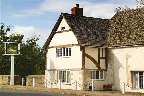 The White Hart at Fyfield, Fyfield, Abingdon
