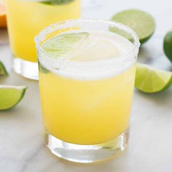 Skinny Agave and Lime Margaritas