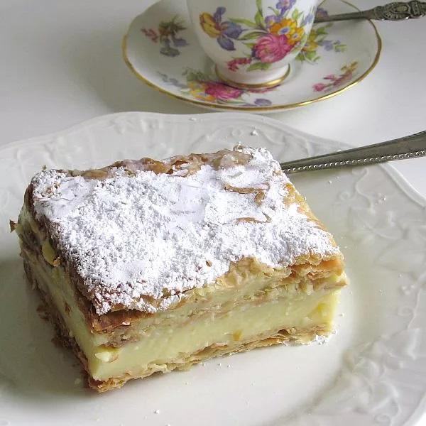 Napoleonka Cake