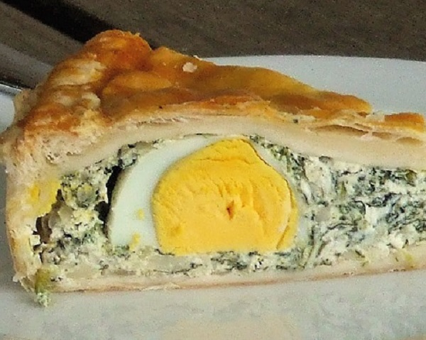 Traditional Tarte De Pascoa (Spinach & Egg Easter Pie)