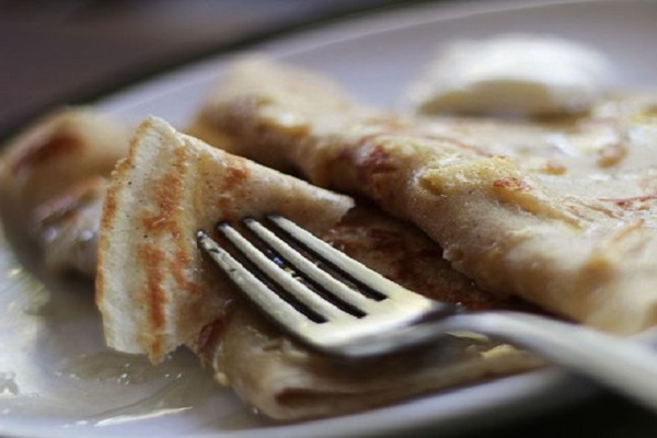 Traditional Latvian Apple Pancakes