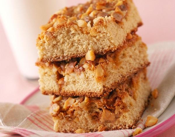 Traditional Armenian Nutmeg Cake