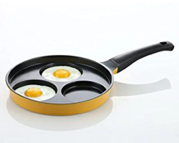 Amore Kitchenware 3-Cup Egg Frying Pan