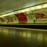 Poseur d'affiches publicitaires