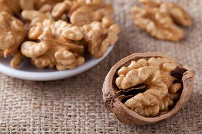 Circassian walnut on sackcloth-opt