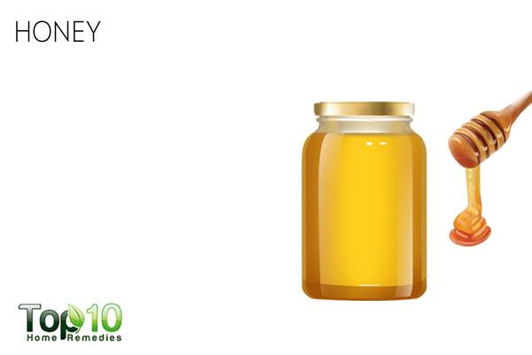 Use honey to get rid of dry scalp