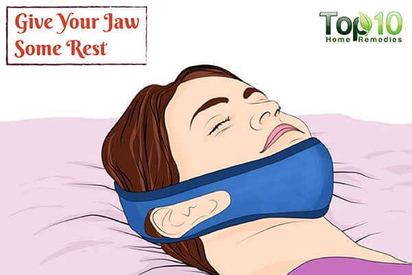 rest your jaw to reduce TMJ pain