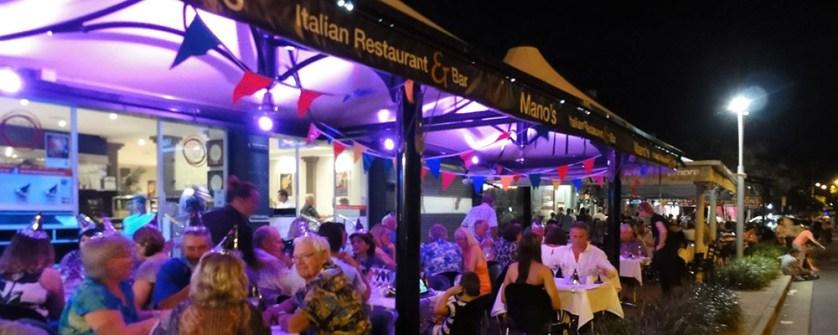 Manos-Italian-Restaurant-Paradise-Point-2