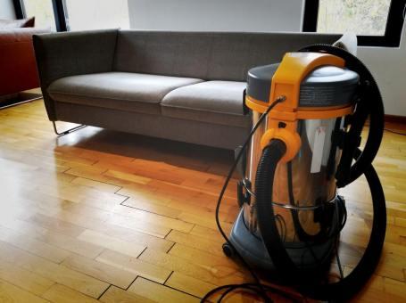 Професионално почистване на мека мебел от Мебеле ЕООД