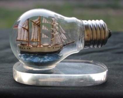 Creative Ideas With Light Bulb 13 DIY: 17 Creative Ideas With Light Bulb