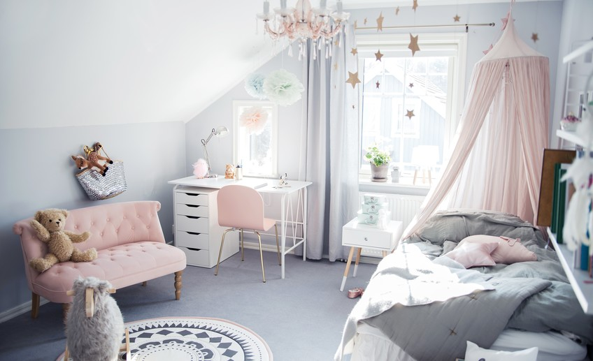 Pastel Color Bedroom Will Make Your Little Girl Feel Like