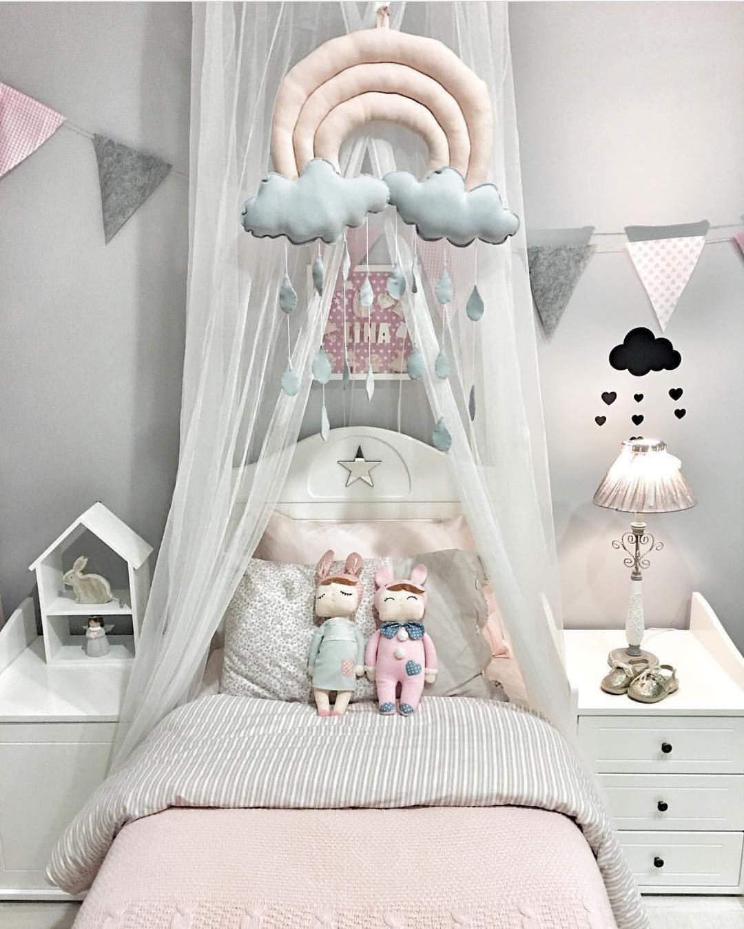 Pastel Color Bedroom Will Make Your Little Girl Feel Like