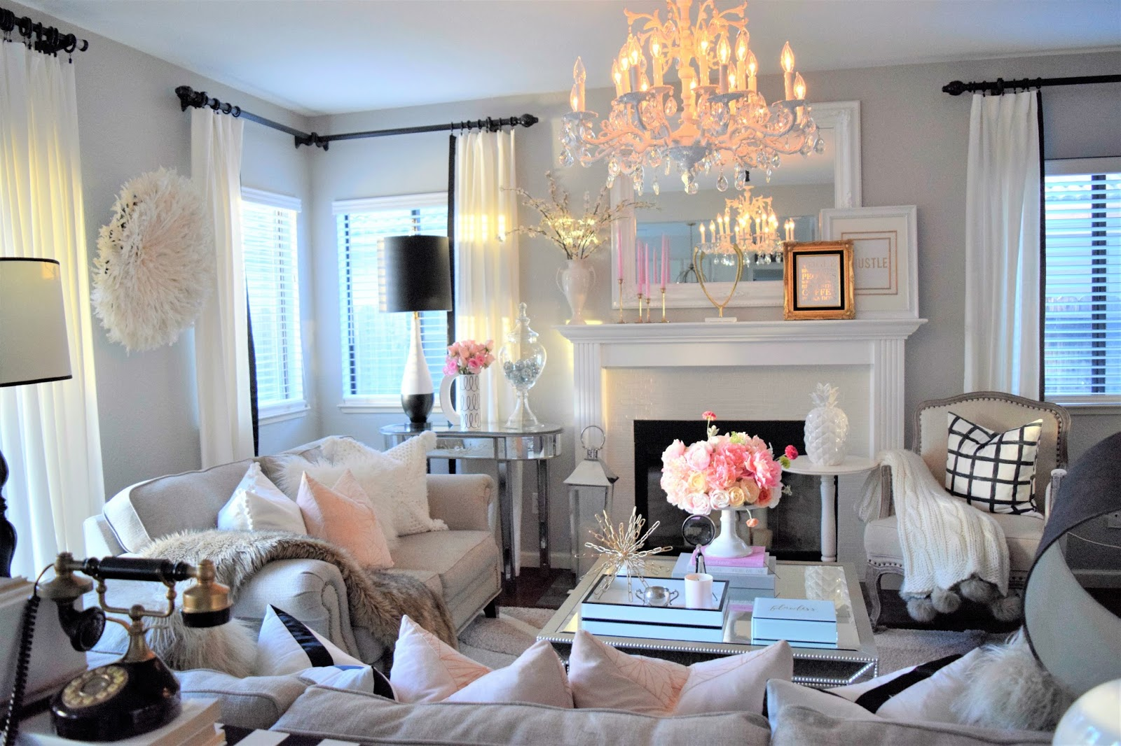 Bring That Royal Look In Your Living Room In Just Few