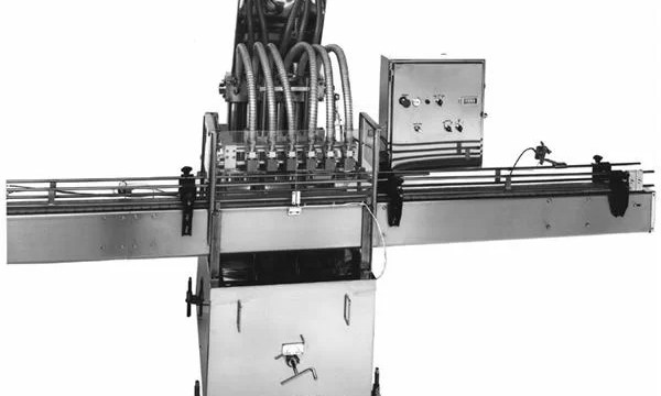 PLC Controlled Piston Vegetable Oil Filling Machine