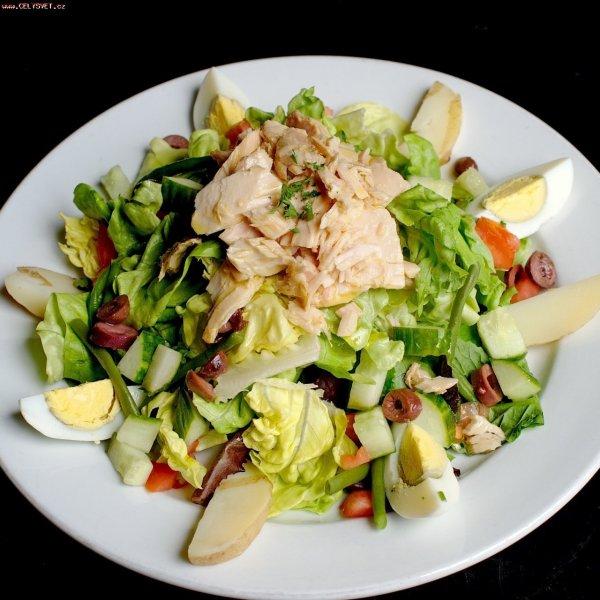 Кулинарный рецепт: Красочный салат с тунцом: Сытный салат ...