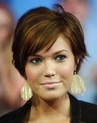 Short Haircuts For Oval Faces 30
