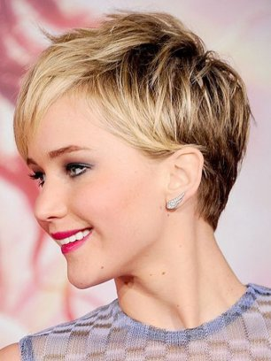 Short Haircuts For Round Faces 28