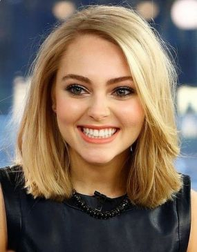 Short Haircuts For Round Faces 29