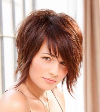 2015 Short Hairstyles Round Face Simple Styled Hairdo This Style Is Using Straight Hair And Cut With Thinning Scissor