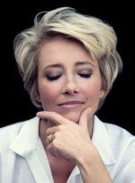 Short Haircuts For Older Women 11