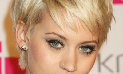 Short Hairstyles For Round Faces 11