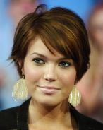 Short Hairstyles For Round Faces 12