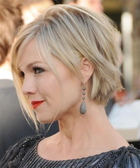 Short Hairstyles For Round Faces 2018 10
