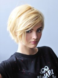 Short Hairstyles For Thick Hair 2018 31