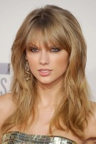 Taylor Swift Hairstyles 2018 10