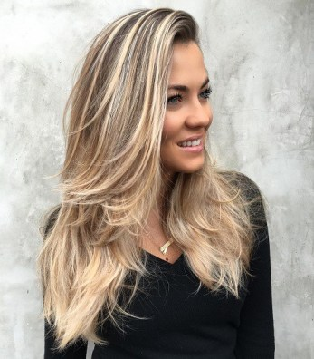 13 Long Blowout Hairstyle For Layered Hair