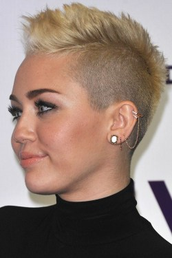 11 Very Short Mohawk Hairstyle For Women