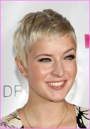 Very Short Hairstyles Women Haircut For Long Face.jpg