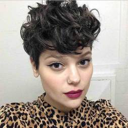 22.Pixie Hairstyle