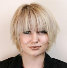 5 Razored Bob With Bangs For Round Faces