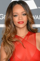 Rihanna Hairstyles Alluring Long Wavy Haircut For Young Women