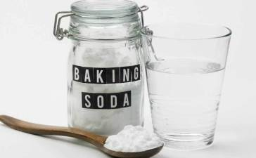 7 Benefits of Baking Soda for Hair, Skin, and Body