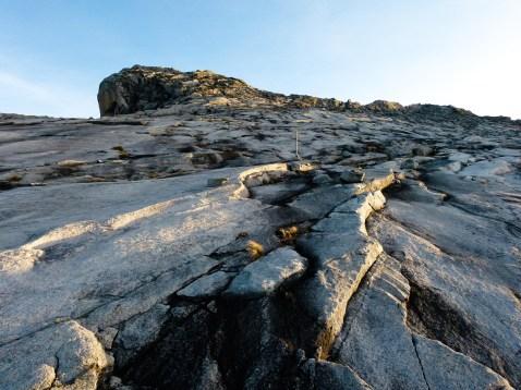 Et son sommet en granit © Topich