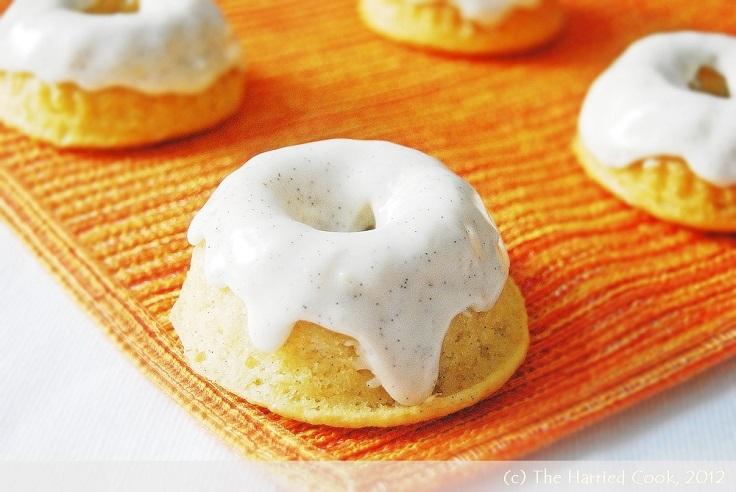 Vanilla-Bean-Mini-Bundt-Cakes