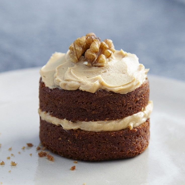 mini-coffee-and-walnut-cakes