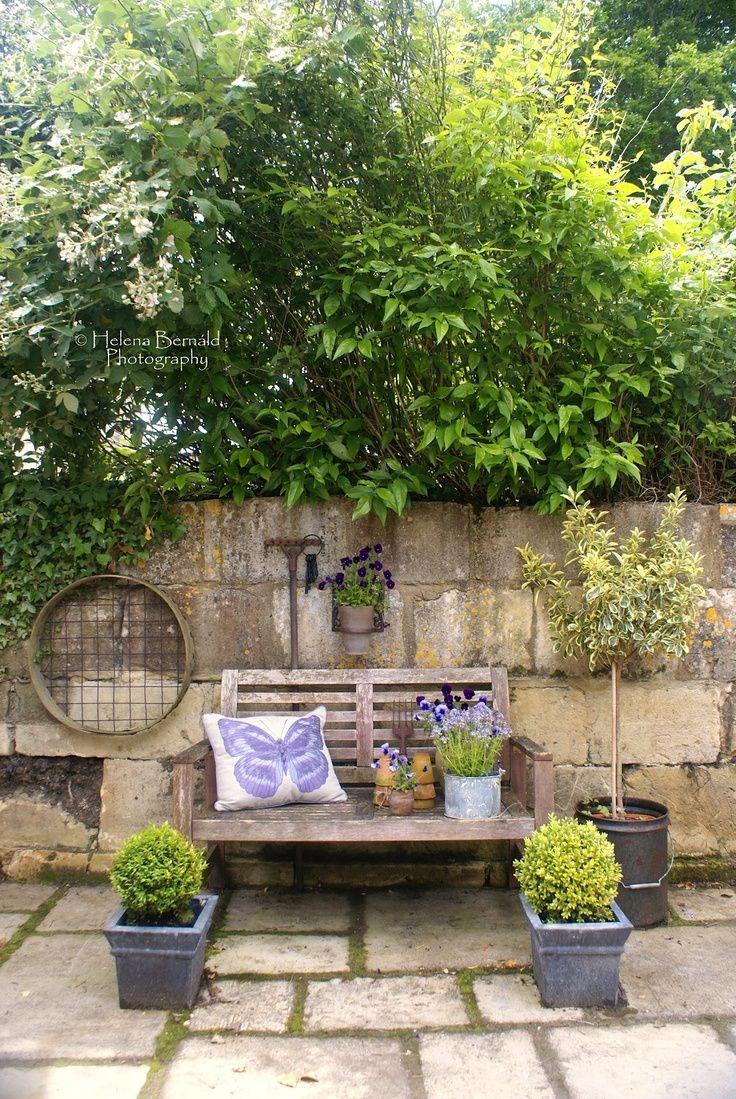 Top 10 Beautiful Outdoor Sitting Ideas - Top Inspired on Small Garden Sitting Area Ideas  id=23008