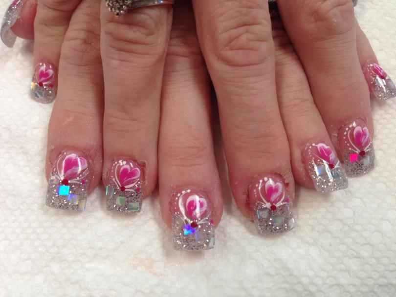 Sparkling cloudy tip with 3-4 diagonally placed mirrored panels topped with bright pink/white heart, white swirls, white/red/pink dots.