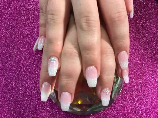 SNS healthy nails dipping powder pink & white sparkle (with tips)