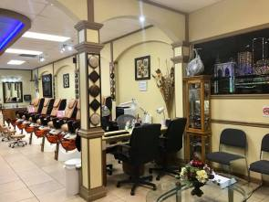 Beautiful & clean nail salon