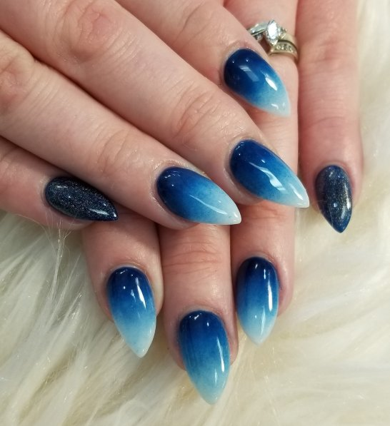 Deep blue sea ombre nails
