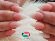 Matte ombre nails