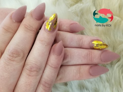 SNS dip powder, gel matte top coat with shiny gold foil nail art.
