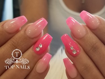 Dip powder ombre nails with blings
