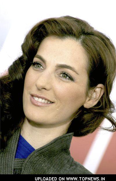 Produzidíssima aqui, Ayelet Zurer, 27 anos, é mais sexy que bonita