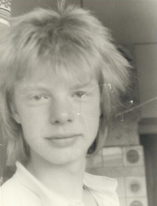 Андрей Григорьев-Апполонов, солист группы «Иванушки International». Выпускной у «Рыжего» «Иванушки» был в 9-ом классе. А потом будущий певец поступил в педагогическое училище.
